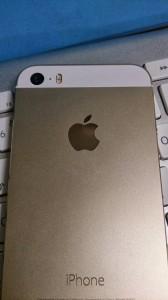 iPhone 5s シャンパンゴールド